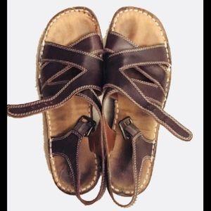 🙊MAKE ME AN OFFER🙈 Naturalizer Leather Sandals